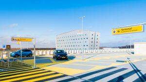 Parkeren bij Eindhoven Airport